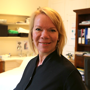 Dr Nicole Burge